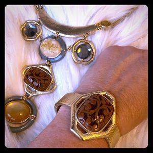 Statement necklace & bracelet set